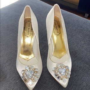 Ted Baker pump with rhinestone
